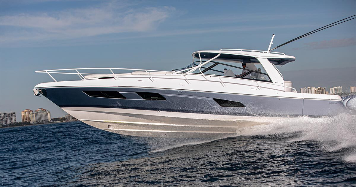 Stepped hull design - Unparalleled Confidence